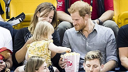 Adorable Toddler Steals Prince Harry Popcorn