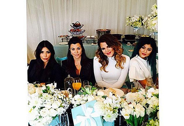 Kim Kardashian verter baby shower for gravide søster Kourtney